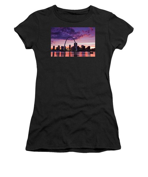 St Louis Sunset Women's T-Shirt (Athletic Fit)