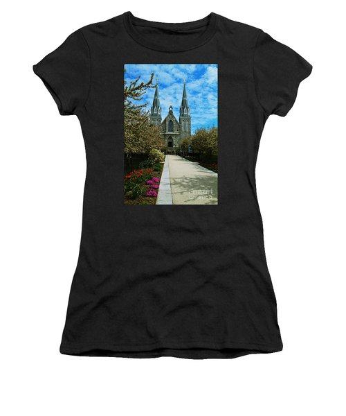 St Thomas Of Villanova Women's T-Shirt (Athletic Fit)