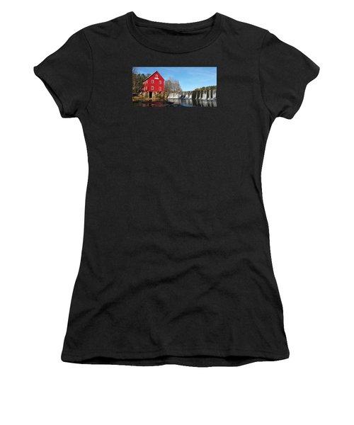 Starr's Mill In Senioa Georgia Women's T-Shirt (Athletic Fit)