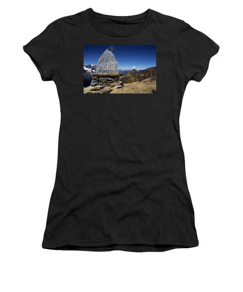 Statue The Dom Women's T-Shirt
