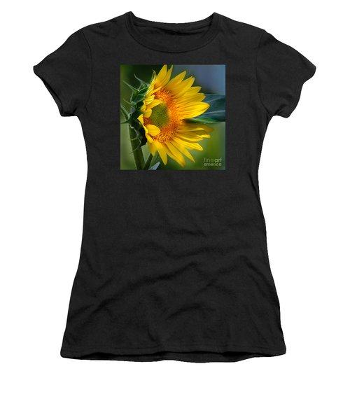 Summer Bonnet Women's T-Shirt (Athletic Fit)