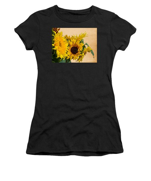 Sunflowers On Old Paper Background Art Prints Women's T-Shirt