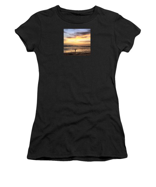 Sunset Surfer Women's T-Shirt (Athletic Fit)