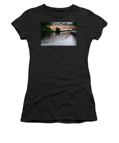 Swan In Dublin Women's T-Shirt