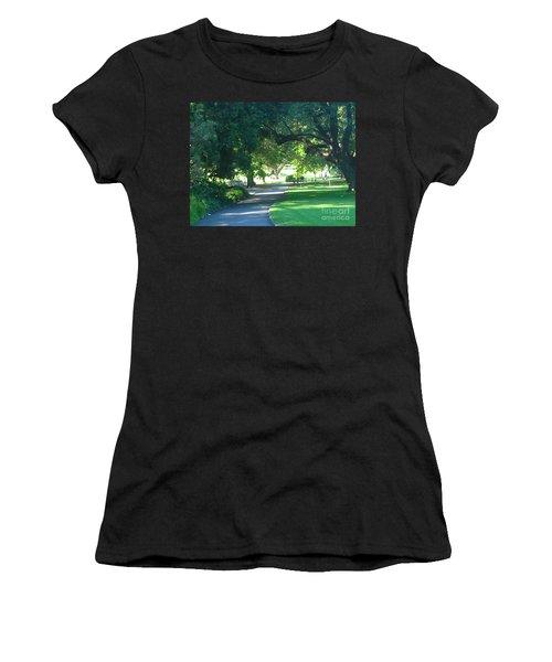 Sydney Botanical Gardens Walk Women's T-Shirt (Athletic Fit)