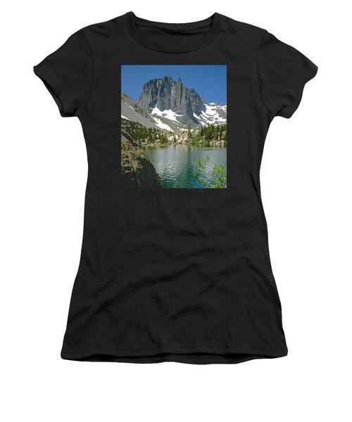 2m6437-temple Crag Women's T-Shirt