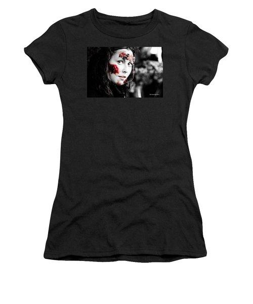The Creepy Mistress  Women's T-Shirt