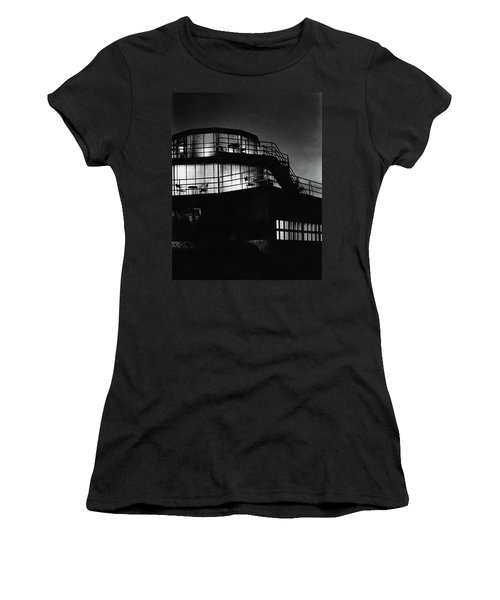 The Exterior Of A Spiral House Design At Night Women's T-Shirt