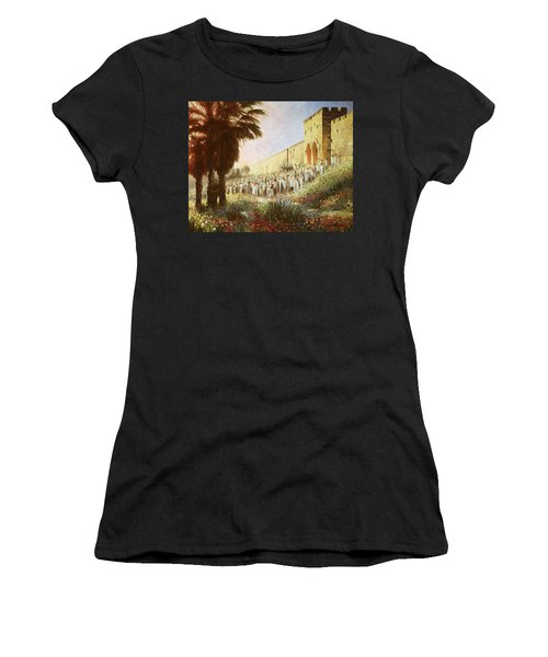 The King Is Coming  Jerusalem Women's T-Shirt
