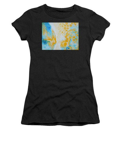 There - Looking At Me Women's T-Shirt (Athletic Fit)
