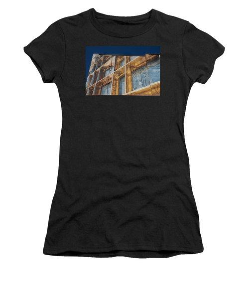 Three Dimensional Optical Illusions - Trompe L'oeil On A Brick Wall Women's T-Shirt