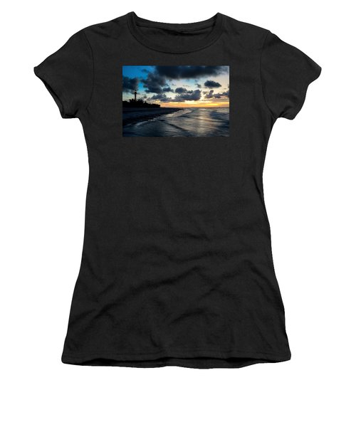 To See The Light... Women's T-Shirt