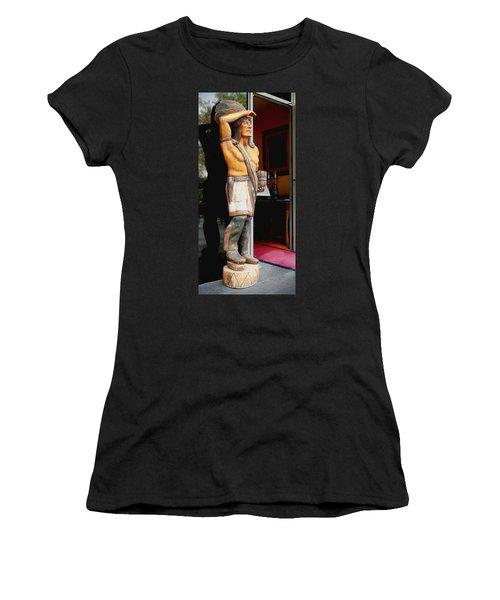 Tobacco Sign Women's T-Shirt