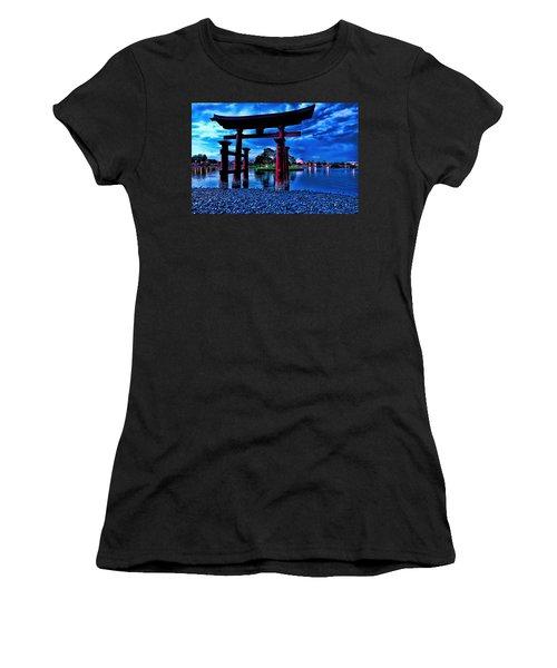 Torii Gate 2 Women's T-Shirt (Athletic Fit)