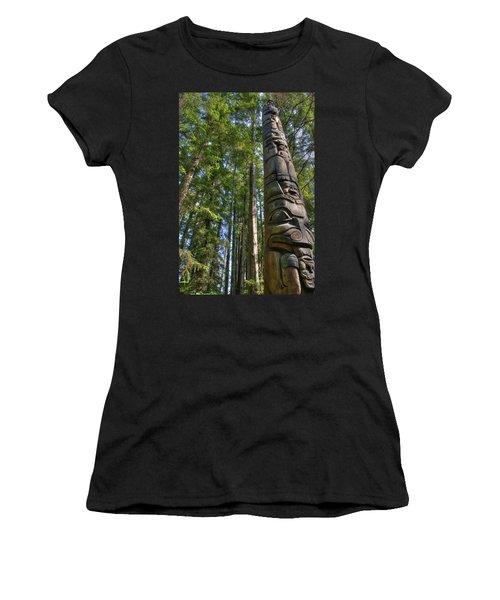 Totem Pole Women's T-Shirt (Athletic Fit)