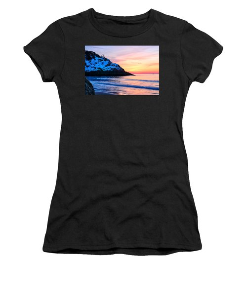 Touch Of Snow Singing Beach Women's T-Shirt