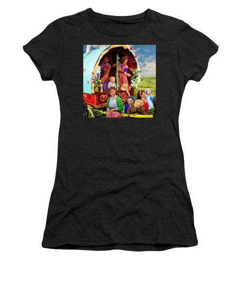 Travellers Women's T-Shirt