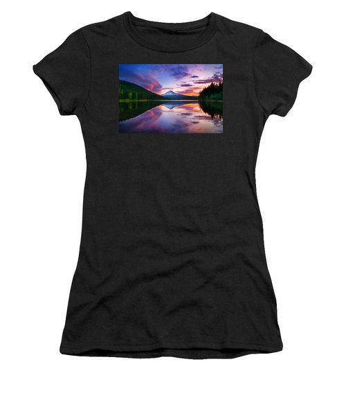 Trillium Lake Sunrise Women's T-Shirt (Athletic Fit)