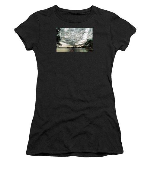 Turbulent Airflow Women's T-Shirt (Athletic Fit)