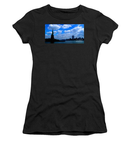 Twin Towers In Heaven's Sky - Remembering 9/11 Women's T-Shirt (Athletic Fit)