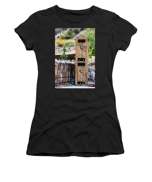 Two-story Outhouse Women's T-Shirt