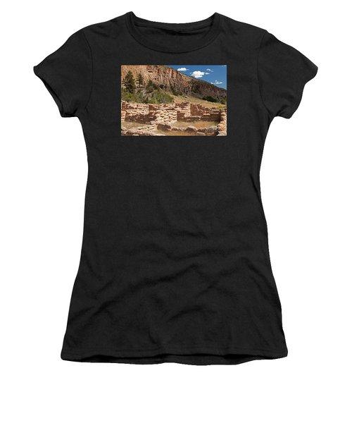 Tyuonyi Bandelier National Monument Women's T-Shirt (Athletic Fit)