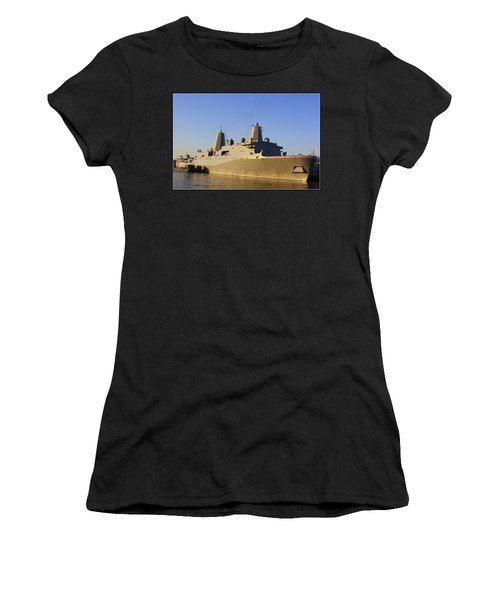Uss New York - Lpd21 Women's T-Shirt (Athletic Fit)