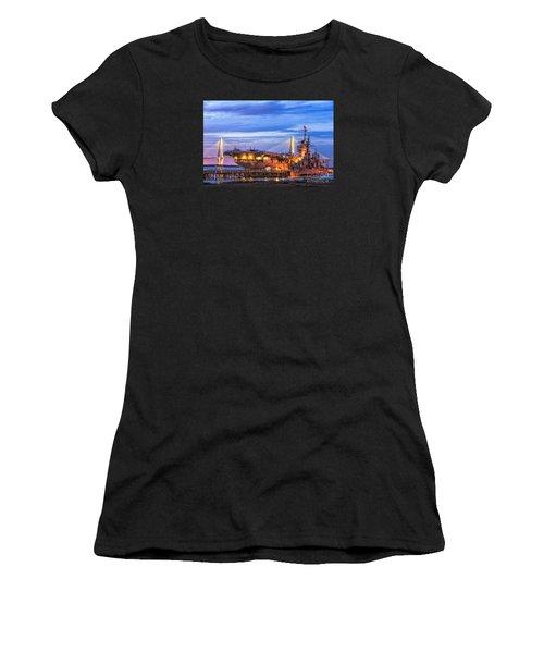 Uss Yorktown Museum Women's T-Shirt (Athletic Fit)