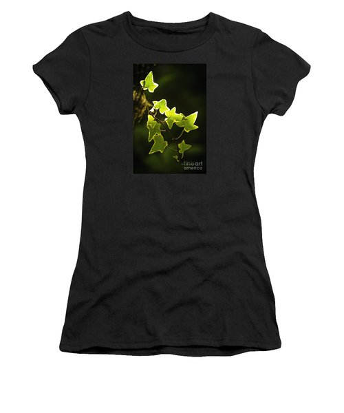 Variegated Vine Women's T-Shirt
