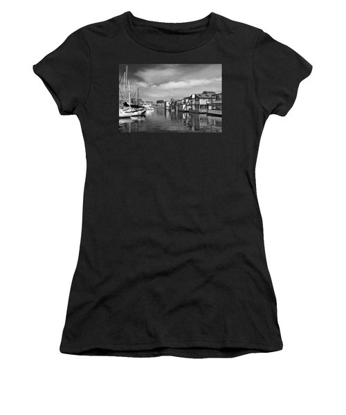 Veiw Of Marina In Victoria British Columbia Black And White Women's T-Shirt