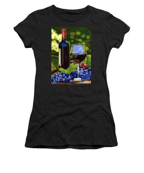 Vino Women's T-Shirt (Athletic Fit)