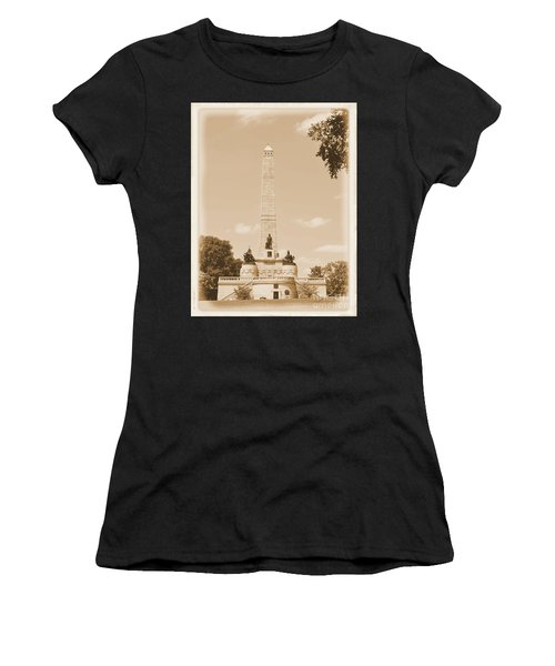 Vintage Lincoln's Tomb Women's T-Shirt (Athletic Fit)