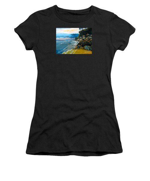 Walomwolla Beach Women's T-Shirt (Athletic Fit)