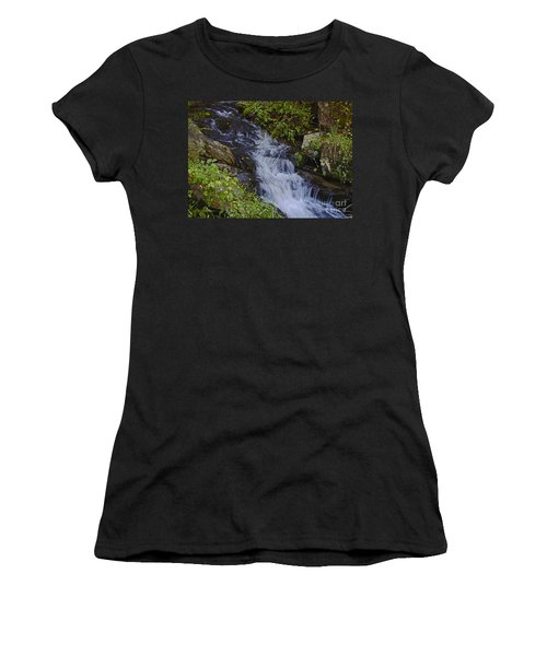 Water Falling Women's T-Shirt (Athletic Fit)