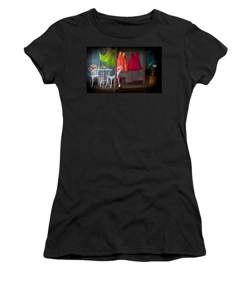 When A Woman Dreams Women's T-Shirt (Junior Cut)