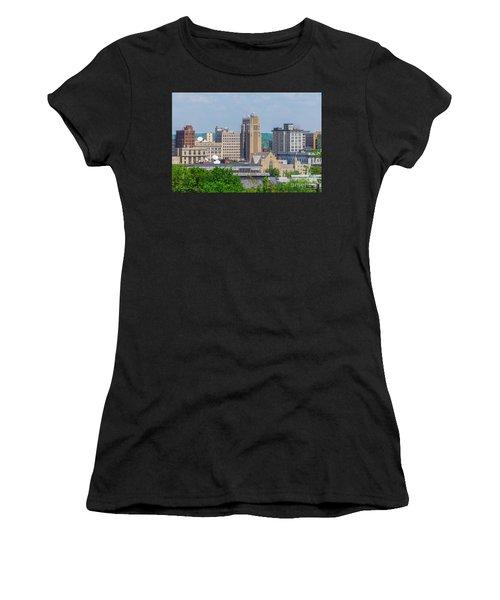 D39u-2 Youngstown Ohio Skyline Photo Women's T-Shirt