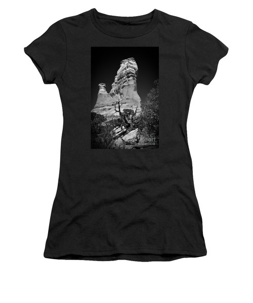Arches National Park Bw Women's T-Shirt (Athletic Fit)
