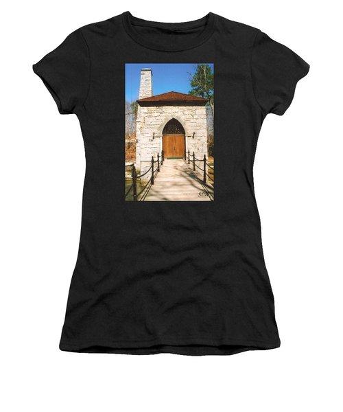Castle Mcculloch Women's T-Shirt (Athletic Fit)
