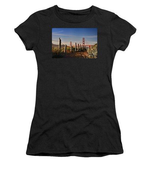 Golden Gate Bridge - 2 Women's T-Shirt (Athletic Fit)