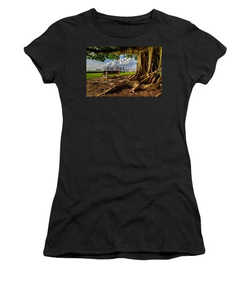 Hobbit Eyeview Women's T-Shirt