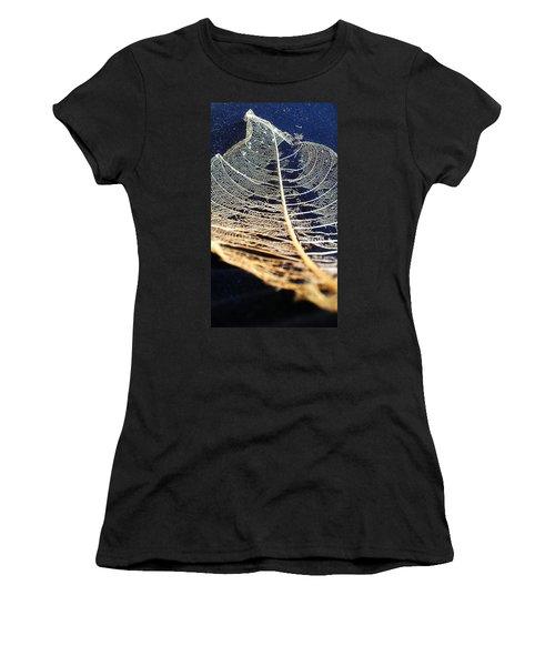 Lace Leaf 4 Women's T-Shirt (Athletic Fit)
