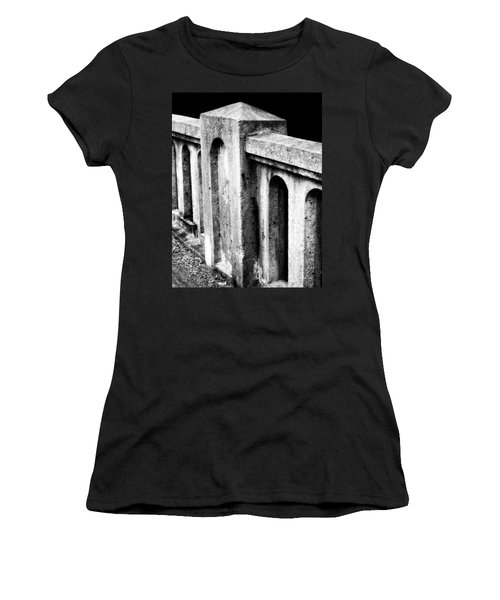 Mary Street Bridge Bristol Virginia Women's T-Shirt (Athletic Fit)