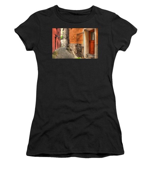 Old Colorful Rustic Alley Women's T-Shirt (Athletic Fit)