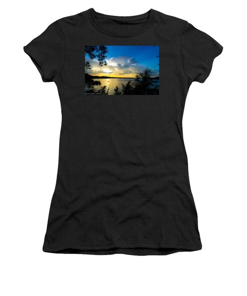 Sunset Fishing Women's T-Shirt (Athletic Fit)