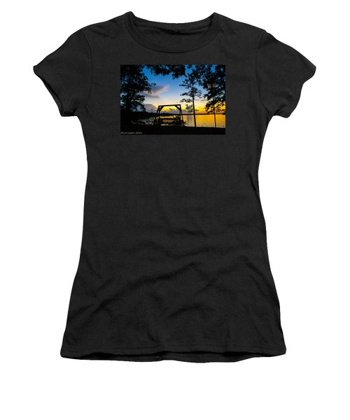 Swing Silhouette  Women's T-Shirt (Athletic Fit)