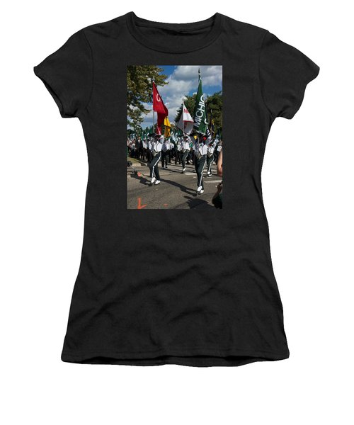 To The Field Women's T-Shirt (Athletic Fit)