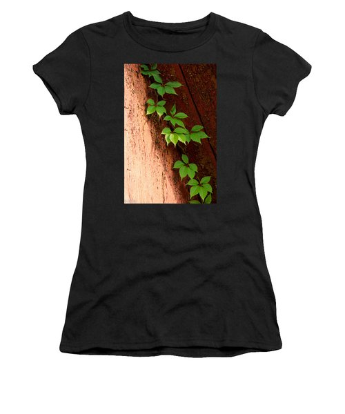 Vitis Women's T-Shirt