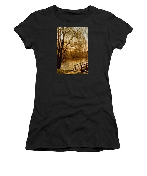 Weeping Willow And Bridge Women's T-Shirt (Athletic Fit)