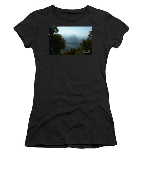 Yosemite Falls Hike Women's T-Shirt (Athletic Fit)