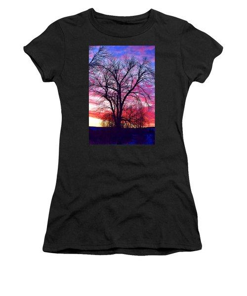 -11 Sunrise Women's T-Shirt (Athletic Fit)